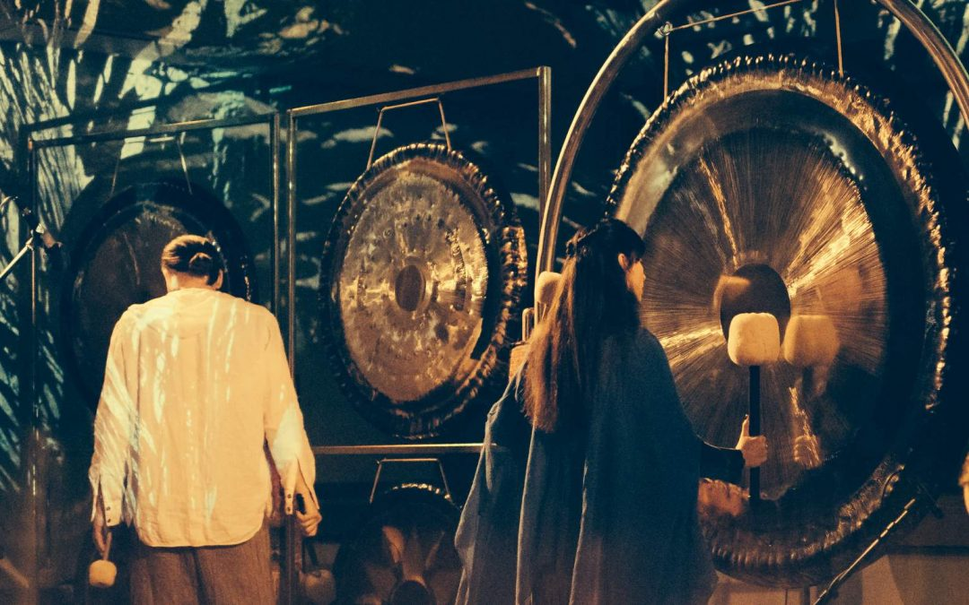 Gongų maudynės  Menas Būti studijoje